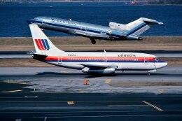 パール大山さんが、ラガーディア空港で撮影したユナイテッド航空 737-222の航空フォト(飛行機 写真・画像)