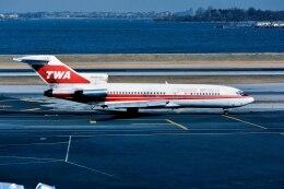 パール大山さんが、ラガーディア空港で撮影したトランス・ワールド航空 727-180Cの航空フォト(飛行機 写真・画像)