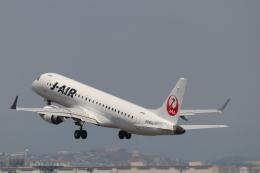 O.TAKUMAさんが、伊丹空港で撮影したジェイエア ERJ-190-100(ERJ-190STD)の航空フォト(飛行機 写真・画像)