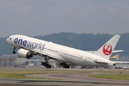 O.TAKUMAさんが、伊丹空港で撮影した日本航空 777-246の航空フォト(飛行機 写真・画像)