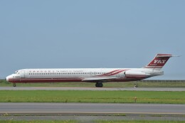 B747‐400さんが、新潟空港で撮影した遠東航空 MD-83 (DC-9-83)の航空フォト(飛行機 写真・画像)