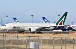 鉄バスさんが、成田国際空港で撮影したアリタリア航空 777-243/ERの航空フォト(飛行機 写真・画像)