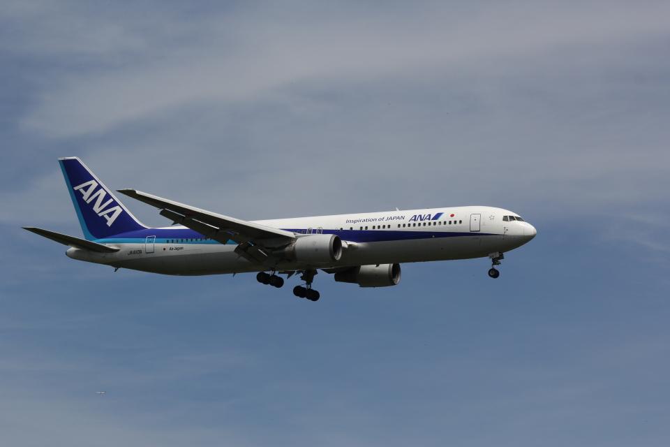 yuu@HKD/RJCHさんの全日空 Boeing 767-300 (JA610A) 航空フォト