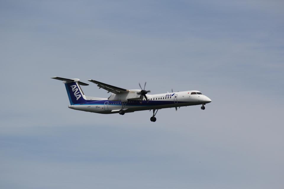 yuu@HKD/RJCHさんのANAウイングス Bombardier DHC-8-400 (JA844A) 航空フォト