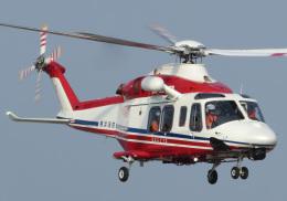 ほてるやんきーさんが、横浜ヘリポートで撮影した横浜市消防航空隊 AW139の航空フォト(飛行機 写真・画像)