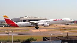 誘喜さんが、ロンドン・ヒースロー空港で撮影したイベリア航空 A340-642の航空フォト(飛行機 写真・画像)