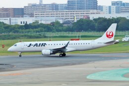 raiden0822さんが、福岡空港で撮影したジェイエア ERJ-190-100(ERJ-190STD)の航空フォト(飛行機 写真・画像)