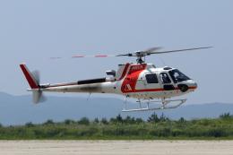 Gripen-YNさんが、能登空港で撮影した朝日航洋 AS350B3 Ecureuilの航空フォト(飛行機 写真・画像)