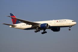 ▲®さんが、成田国際空港で撮影したデルタ航空 777-232/LRの航空フォト(飛行機 写真・画像)