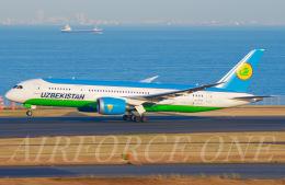 AIRFORCE ONEさんが、羽田空港で撮影したウズベキスタン航空 787-8 Dreamlinerの航空フォト(飛行機 写真・画像)