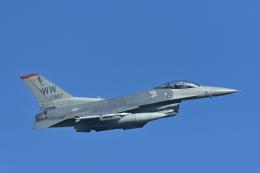パラノイアさんが、千歳基地で撮影したアメリカ空軍 F-16CM-50-CF Fighting Falconの航空フォト(飛行機 写真・画像)
