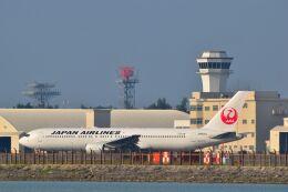 うめたろうさんが、那覇空港で撮影した日本航空 767-346/ERの航空フォト(飛行機 写真・画像)