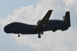 350JMさんが、横田基地で撮影したアメリカ空軍 RQ-4B-40 Global Hawkの航空フォト(飛行機 写真・画像)