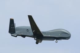 mogusaenさんが、横田基地で撮影したアメリカ空軍 RQ-4B-40 Global Hawkの航空フォト(飛行機 写真・画像)