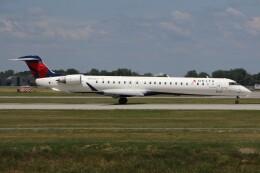 JETBIRDさんが、モントリオール・ピエール・エリオット・トルドー国際空港で撮影したエンデバー・エア CL-600-2D24 Regional Jet CRJ-900の航空フォト(飛行機 写真・画像)