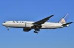 鉄バスさんが、成田国際空港で撮影したユナイテッド航空 777-224/ERの航空フォト(飛行機 写真・画像)
