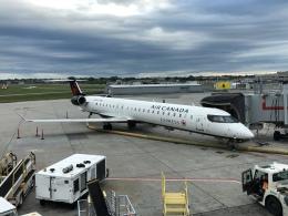 thomasYVRさんが、モントリオール・ピエール・エリオット・トルドー国際空港で撮影したエア・カナダ・エクスプレス CL-600-2D15 Regional Jet CRJ-705ERの航空フォト(飛行機 写真・画像)
