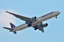 amagoさんが、スワンナプーム国際空港で撮影したカタール航空 777-3DZ/ERの航空フォト(飛行機 写真・画像)