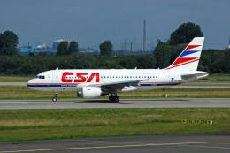 Gambardierさんが、デュッセルドルフ国際空港で撮影したチェコ航空 A319-112の航空フォト(飛行機 写真・画像)