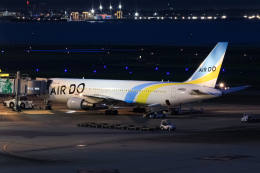 ryu330さんが、羽田空港で撮影したAIR DO 767-381/ERの航空フォト(飛行機 写真・画像)