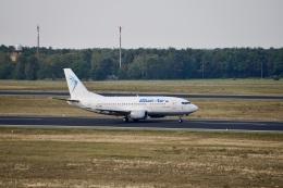344さんが、ベルリン・テーゲル空港で撮影したブルー・エア 737-530の航空フォト(飛行機 写真・画像)