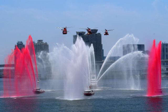 szkkjさんが、東京臨海広域防災公園ヘリポートで撮影した東京消防庁航空隊 AS365N3 Dauphin 2の航空フォト(飛行機 写真・画像)