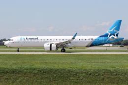 JETBIRDさんが、モントリオール・ピエール・エリオット・トルドー国際空港で撮影したエア・トランザット A321-271NXの航空フォト(飛行機 写真・画像)