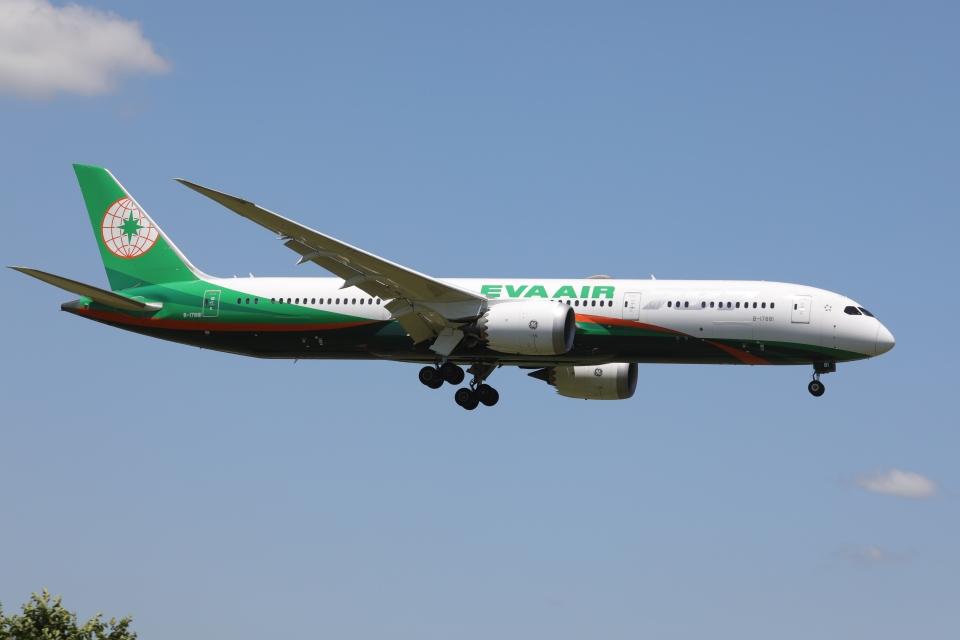 OS52さんのエバー航空 Boeing 787-9 (B-17881) 航空フォト