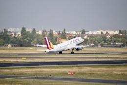 344さんが、ベルリン・テーゲル空港で撮影したジャーマンウィングス A319-132の航空フォト(飛行機 写真・画像)