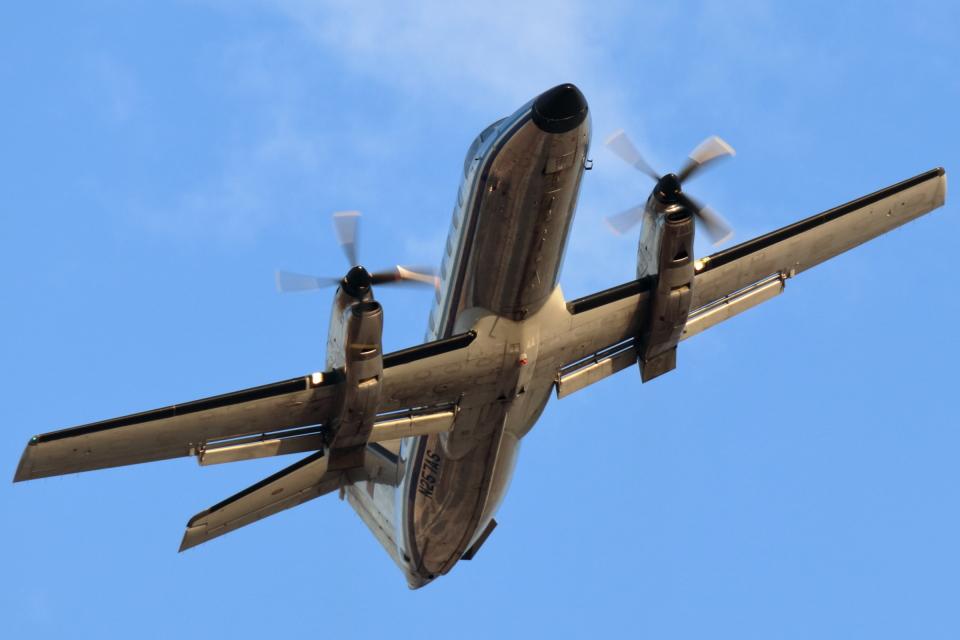 キャスバルさんのアメリフライト Embraer EMB-120 Brasilia (N257AS) 航空フォト