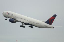 G-BNLYさんが、羽田空港で撮影したデルタ航空 777-232/ERの航空フォト(飛行機 写真・画像)