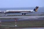 kumagorouさんが、那覇空港で撮影した日本エアシステム MD-81 (DC-9-81)の航空フォト(飛行機 写真・画像)