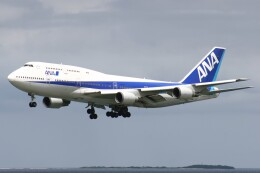Mr.boneさんが、那覇空港で撮影した全日空 747-481(D)の航空フォト(飛行機 写真・画像)