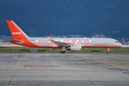 PW4090さんが、関西国際空港で撮影したアビアスター 757-223(PCF)の航空フォト(飛行機 写真・画像)