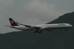 hachiさんが、香港国際空港で撮影したルフトハンザドイツ航空 A340-642の航空フォト(飛行機 写真・画像)