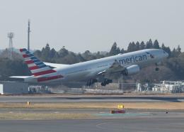 銀苺さんが、成田国際空港で撮影したアメリカン航空 777-223/ERの航空フォト(飛行機 写真・画像)