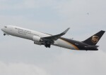 takikoki50000さんが、関西国際空港で撮影したUPS航空 767-34AF/ERの航空フォト(飛行機 写真・画像)
