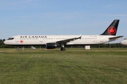 JETBIRDさんが、トロワリヴィエール空港で撮影したエア・カナダ A321-211の航空フォト(飛行機 写真・画像)
