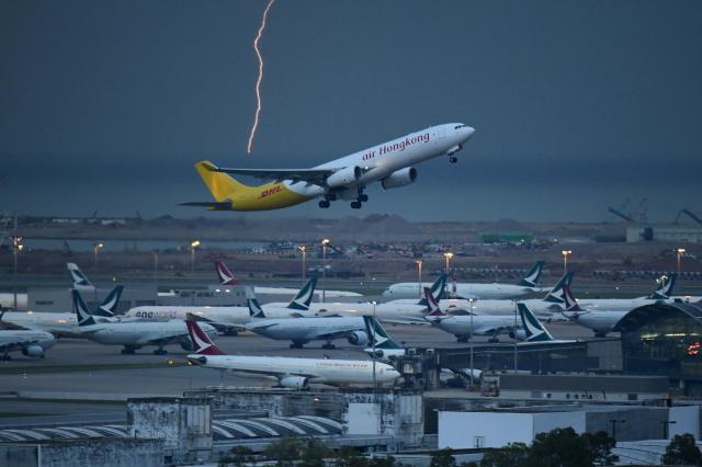 Souma2005さんが、香港国際空港で撮影したエアー・ホンコン A330-343(F)の航空フォト(飛行機 写真・画像)