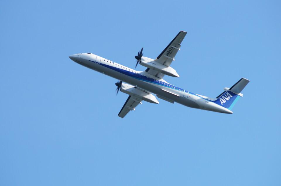 kij niigataさんのANAウイングス Bombardier DHC-8-400 (JA842A) 航空フォト
