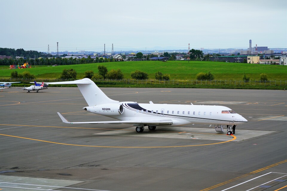 hidetsuguさんのウィルミントン・トラスト・カンパニー Bombardier BD-700 Global Express/5000/6000 (N916MM) 航空フォト