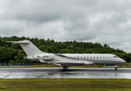 Cygnus00さんが、新千歳空港で撮影したウィルミントン・トラスト・カンパニー BD-700 Global Express/5000/6000の航空フォト(飛行機 写真・画像)