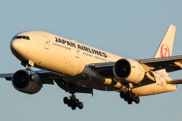 SGR RT 改さんが、成田国際空港で撮影した日本航空 777-246/ERの航空フォト(飛行機 写真・画像)