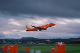 サボリーマンさんが、出雲空港で撮影したフジドリームエアラインズ ERJ-170-200 (ERJ-175STD)の航空フォト(飛行機 写真・画像)