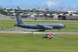 久場悠誠さんが、嘉手納飛行場で撮影したアメリカ空軍 KC-135R Stratotanker (717-148)の航空フォト(飛行機 写真・画像)