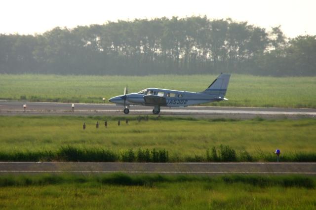 Hiro-hiroさんが、新潟空港で撮影した富士航空 PA-34-200T Seneca IIの航空フォト(飛行機 写真・画像)