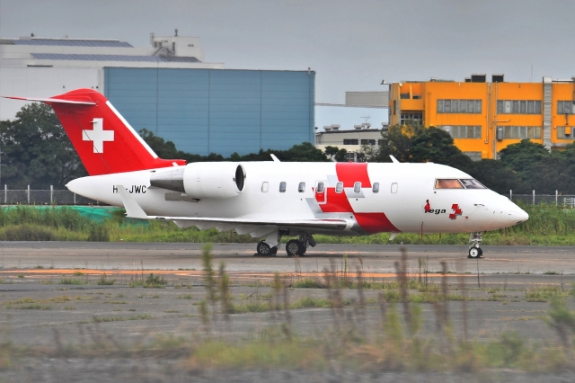 sonnyさんが、羽田空港で撮影したREGA スイスエア-アンビュランス Challenger 600の航空フォト(飛行機 写真・画像)