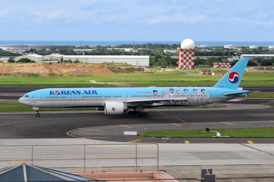 HLeeさんの大韓航空 Boeing 777-300 (HL8010) 航空フォト