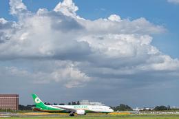 SGR RT 改さんが、成田国際空港で撮影したエバー航空 787-9の航空フォト(飛行機 写真・画像)