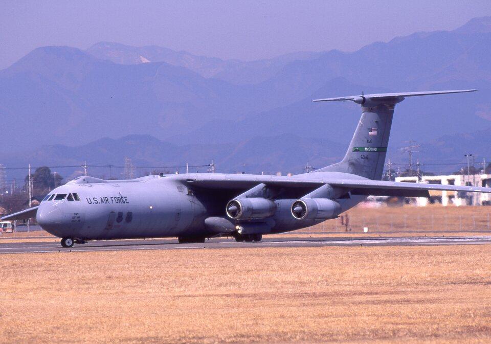 アメリカ空軍 Lockheed C-141 Starlifter 不明 横田基地 航空フォト ...